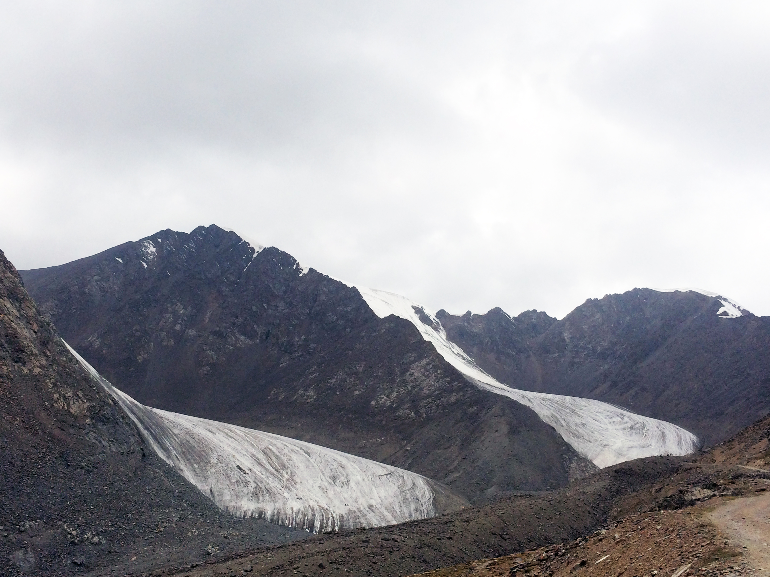 Urumqi Glacier No. 1 in August 2015 (taken by Huilin Li on 28/08/2015)